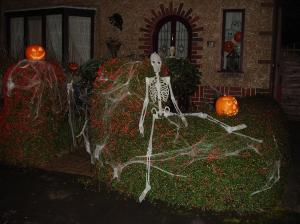 every halloween - Make Your Own Halloween Decorations